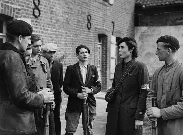 Un groupe de résistants près de Boulogne sur Mer en septembre 1944