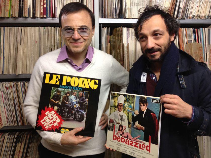 B. Burgalat et son vinyle de M. Robson et B. Forgeard et son 33t de Dudley Moore