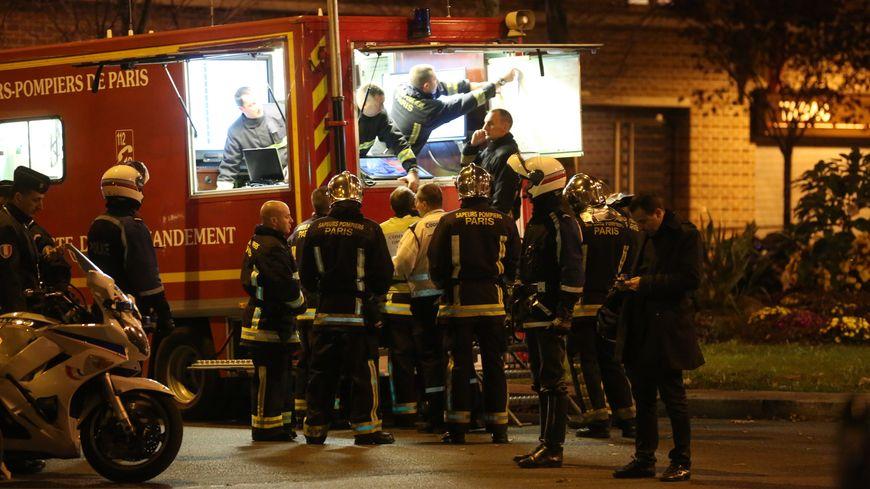 les pompiers de paris r pondent aux critiques apr s les attentats. Black Bedroom Furniture Sets. Home Design Ideas