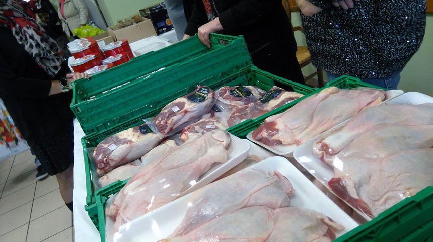 800 cuisses de canard et 800 bûches ont été distribuées