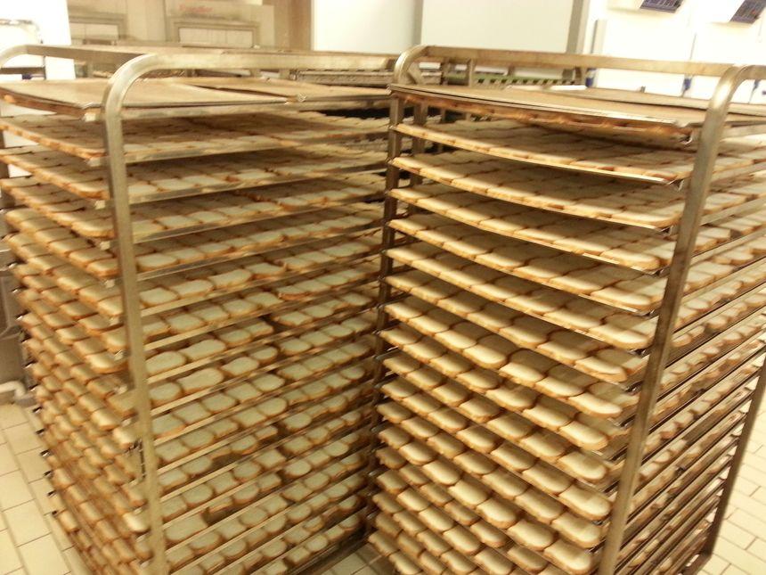 Les tranches de pain de mie sont prêtent à partir au fou
