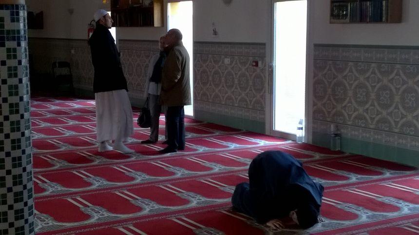 Un moment de partage et d'échange, entre fidèles et visiteurs.
