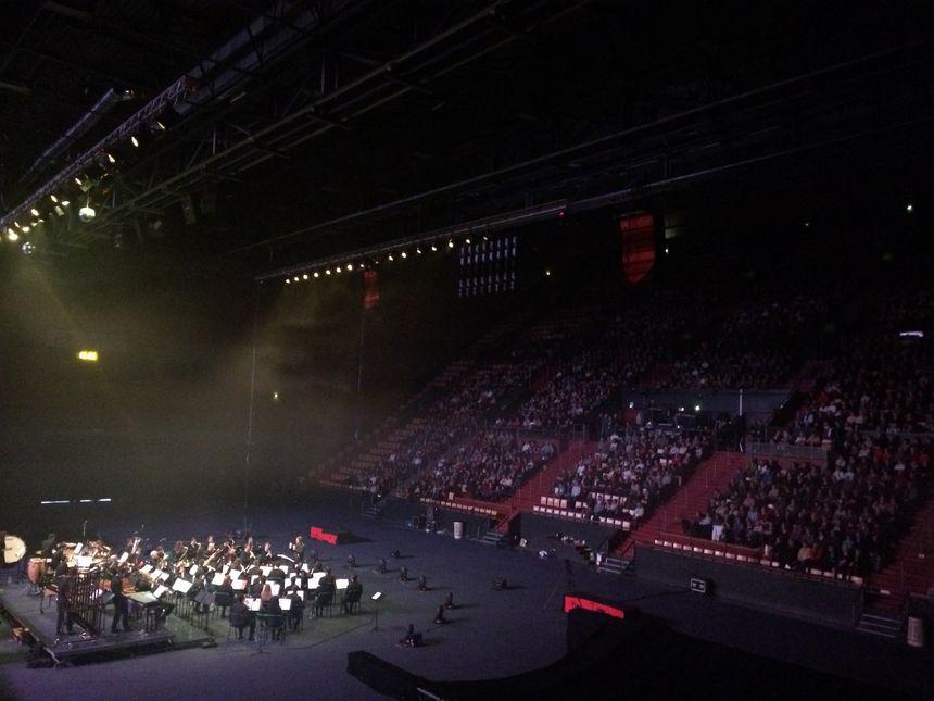 Pour la première représentation, 1400 spectateurs dans la salle.
