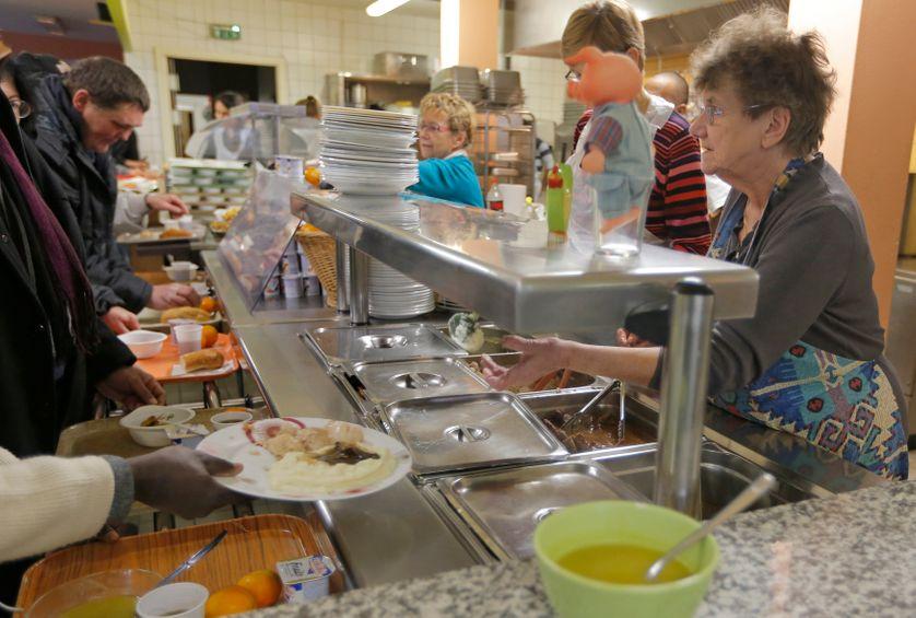 Repas organisé par Les Restos du Cœur.