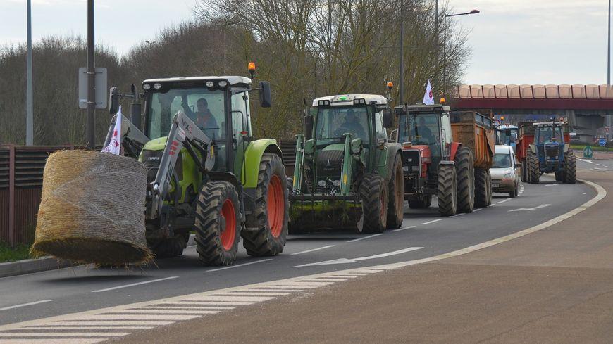 Plusieurs convois de tracteurs ont traversé le Mans.