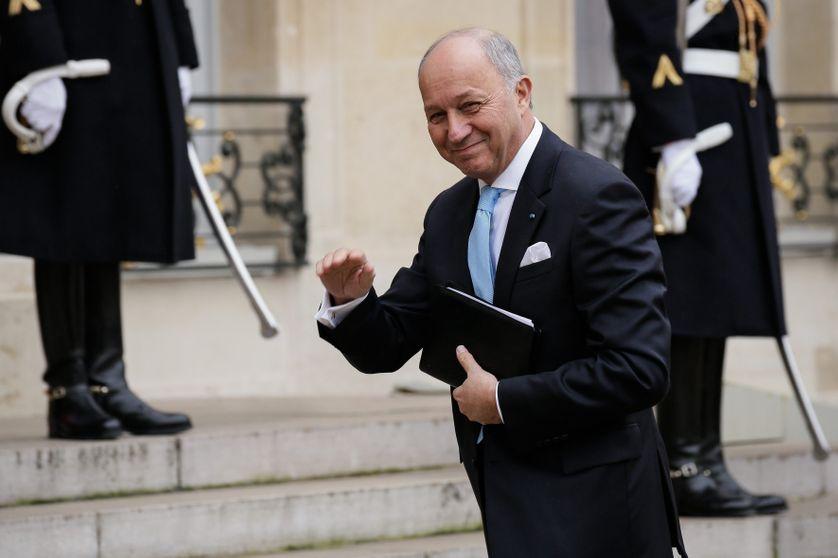 Laurent Fabius, le 22 janvier 2016 qui gravit les marches de l'Elysée