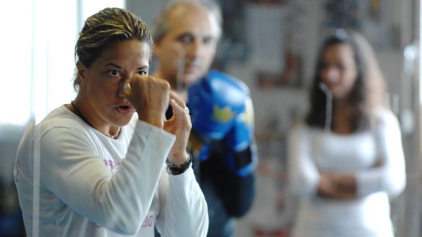 La boxeuse Myriam Lamare lors d'un entrainement en 2010