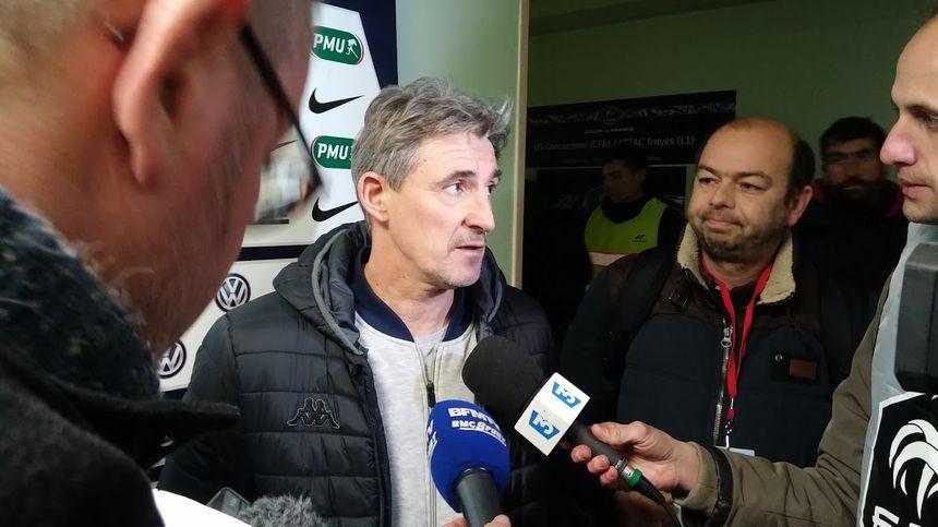 Claude Robin, entraîneur de l'ESTAC
