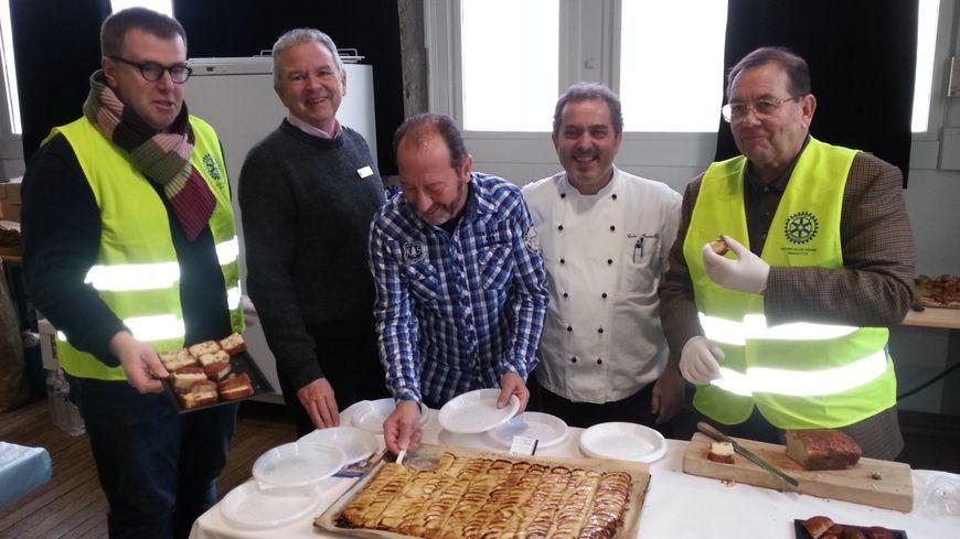Les cuisiniers accueillent les donneurs pour la collation