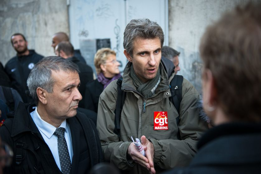 Frédéric Alpozzo, représentant CGT des marins, avec Michel Stefani, conseiller à l'Assemblée de Corse, à Marseille, en nov 2014