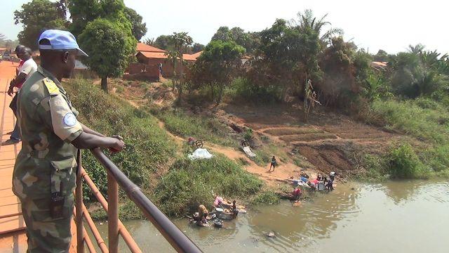 Centrafrique, vers la paix, les armes à la main