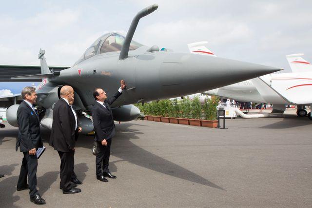 François Hollande en visite en Inde pour la vente de Rafale