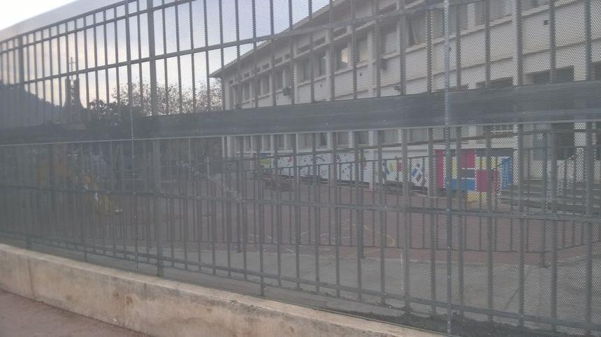 Cour de récréation des Mûriers à Nice
