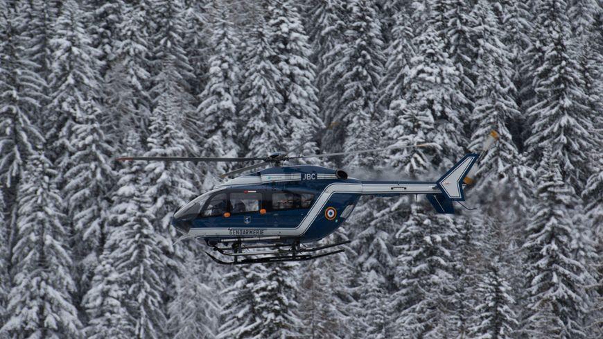 Cinq militaires sont morts dans l'avalanche, six ont été blessés.