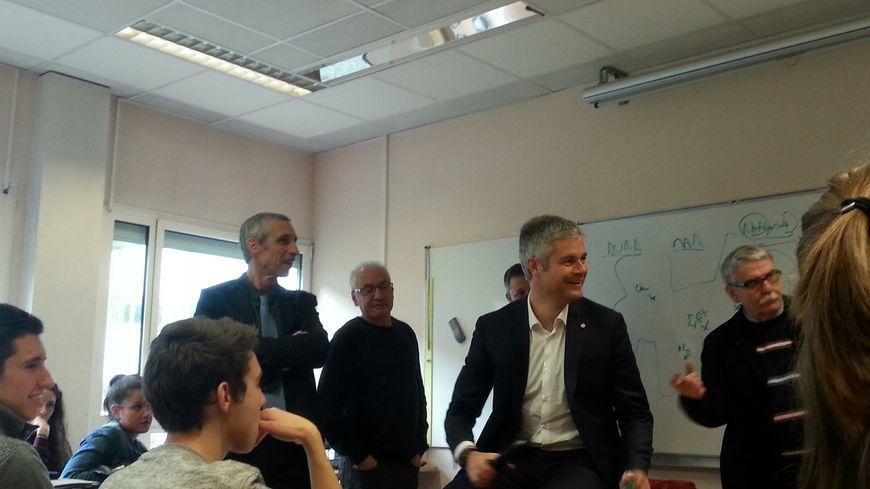 Laurent Wauquiez en visite au lycée Pierre-Beghin à Moirans, en Isère (22/01/16)