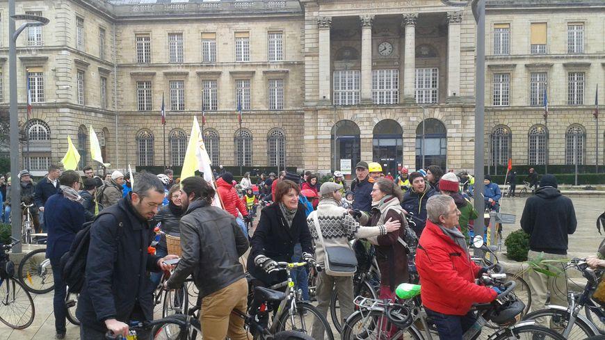 Video A Rouen Les Cyclistes Reclament Plus De Pistes Cyclables