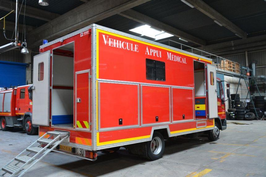 Véhicule d'appui médical d'appui médical des pompiers de Vaucluse