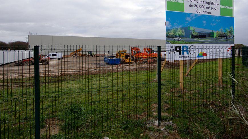 Construction d'une plateforme Goodman à Lauwin-Planque, commune voisine