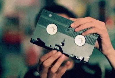 Karim Debbache. Et une VHS.