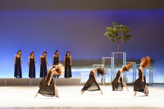 Pneuma avec Carolyn Carlson et le Ballet de l'Opéra National de Bordeaux