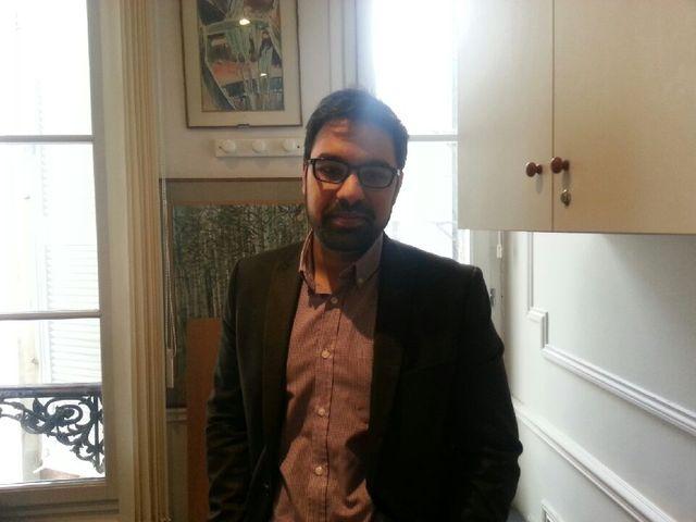 Asif Arif, jeune avocat qui se consacre à la lutte contre les discriminations