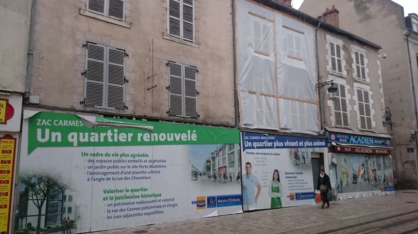 De nombreux logements et commerces vides, rue des Carmes