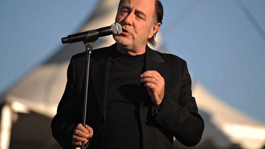 Michel Delpech lors d'un concert en 2009
