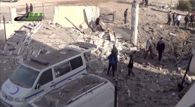 les restes de l'un des hiôpitaux touchés par des bombes qu'on suppose russes