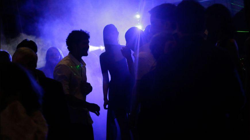les deux jeunes filles ont été accostées à la sortie d'une discothèque