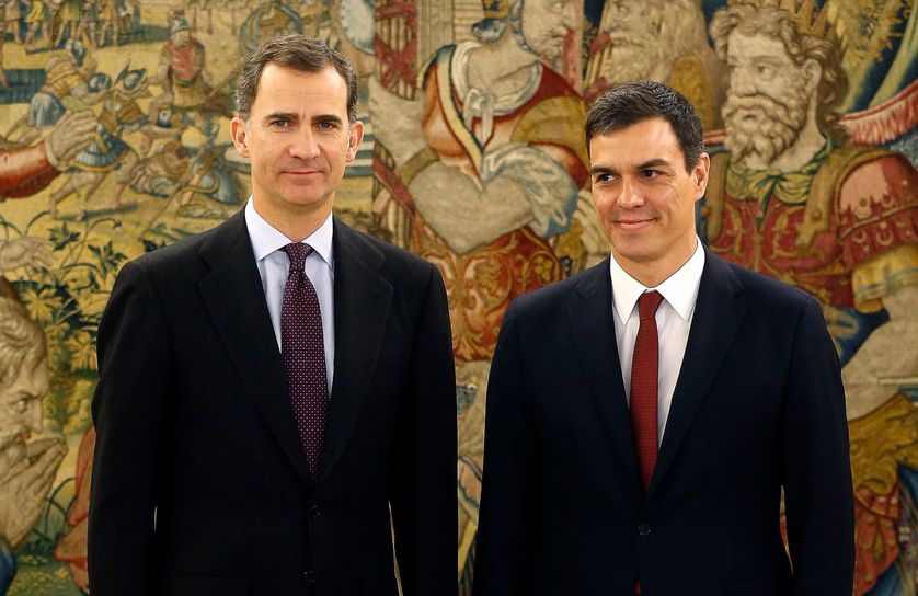 Le roi d'Espagne et le dirigeant socialiste Pedro Sanchez à Madrid, 2 février 16