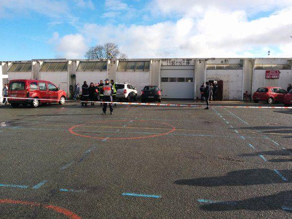 Les familles sont accueillies au centre de secours de Rochefort
