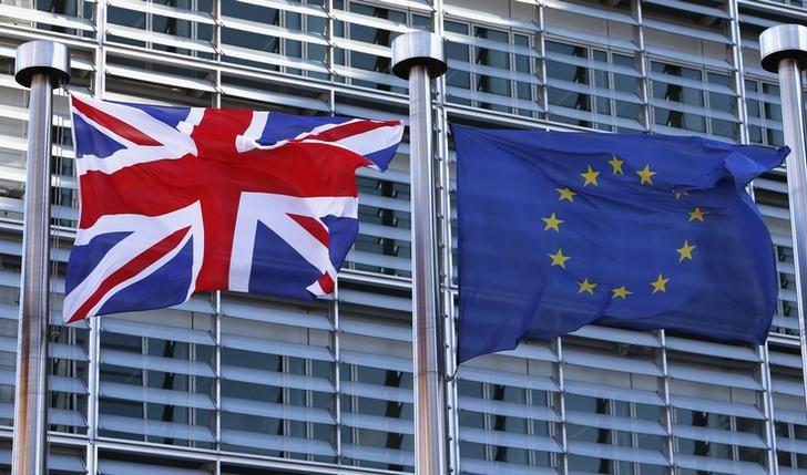 Drapeaux devant la Commission Européenne à Bruxelles.