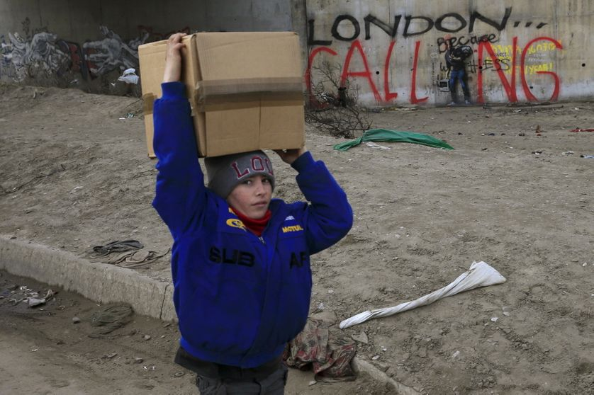 """Un enfant dans la """"jungle"""" de Calais 6 fevrier 2016"""
