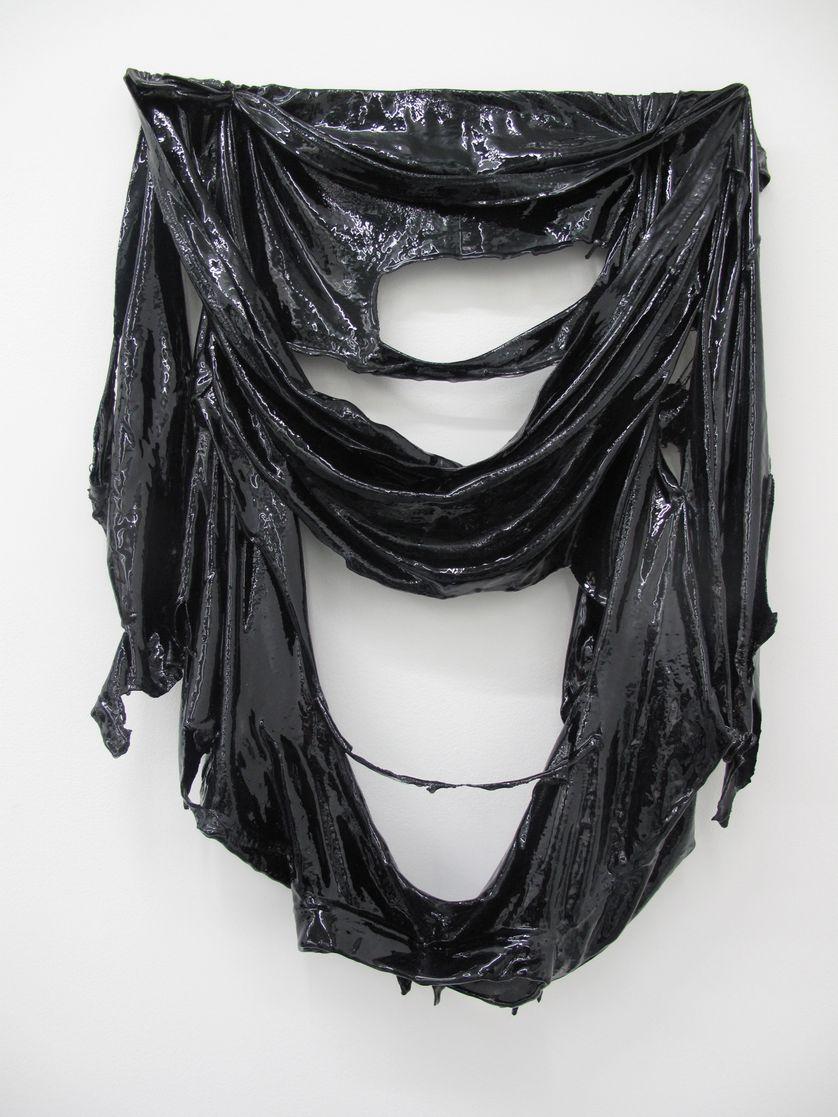 Ornement et crime (Secrets of The Black Arts), 2011   T-shirt de groupe découpé