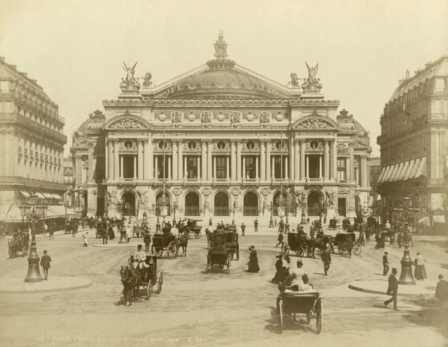 L'Opéra Garnier à Paris - vers 1900