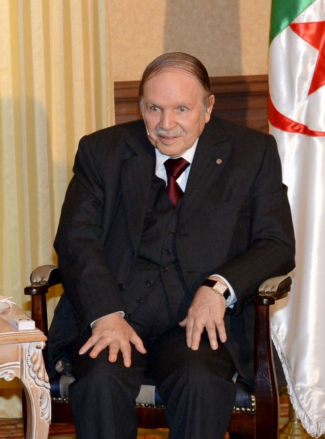 Abdelaziz Bouteflika en juin 2015, lors de la visite de François Hollande à Alger