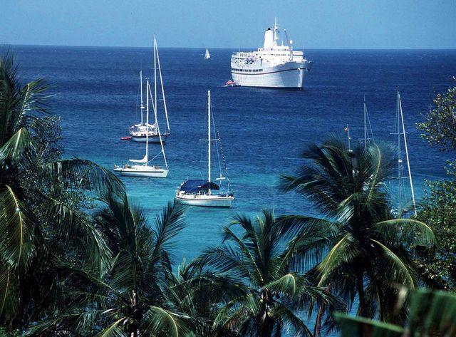 Voiliers au large de Sainte-Lucie où le navigateur Eric Sommer est incarcéré
