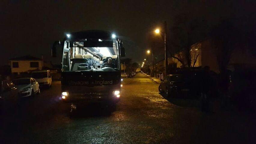 Le bus est arrivé de nuit au Bouscat (Photo Emmaüs)