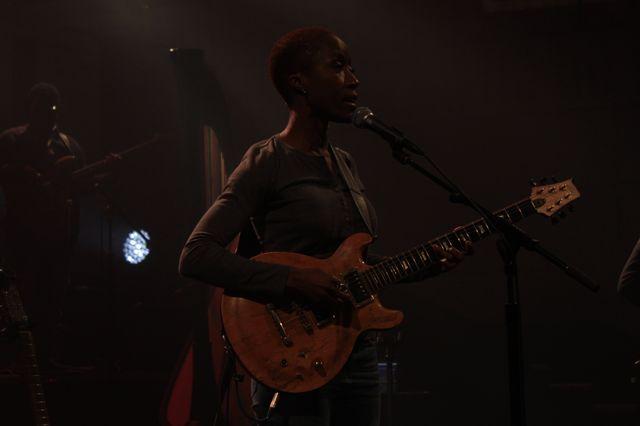 Rokia Traoré reprend 'Strange Fruit' pour Partons en live!