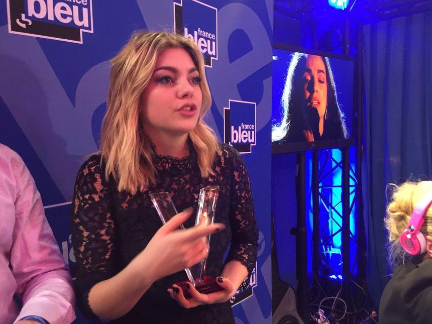 Louane, sur le plateau de France Bleu, après son triomphe aux Victoires