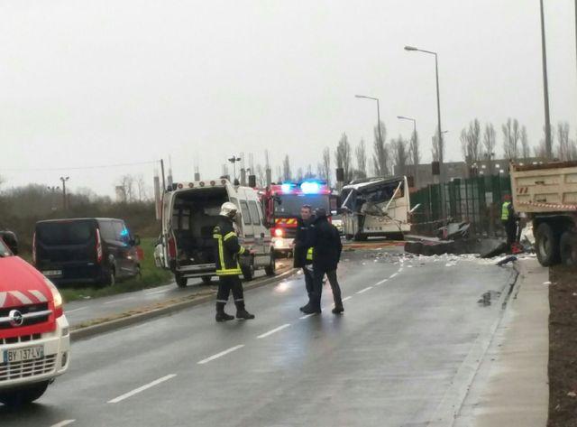Un accident de car scolaire à Rochefort fait au moins six morts