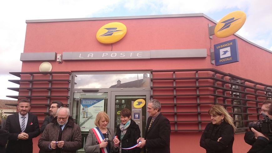 La maire de Fleurey-sur-Ouche Pascale Gallion inaugure la MSAP