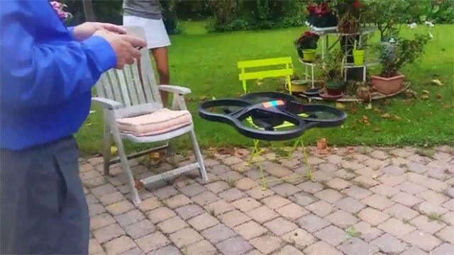 Essai du drone des Dumont dans le jardin familial en août 2014