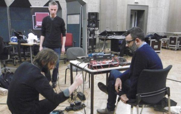 François Bonnet, Michel Wisniewski et Joseph Ghosn au studio 107 par S Noël