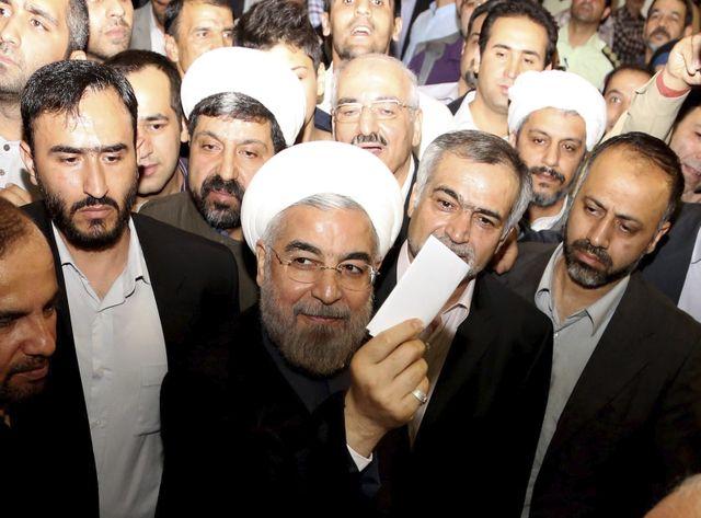 Hassan Rohani aux urnes en Iran en 2013