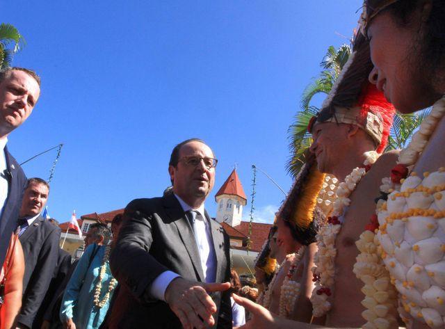 A Papeete, François Hollande veut tourner la page du nucléaire
