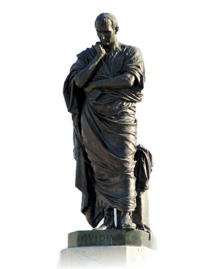 1887 statue d'Ovide, sculptée par Ettore Ferrari