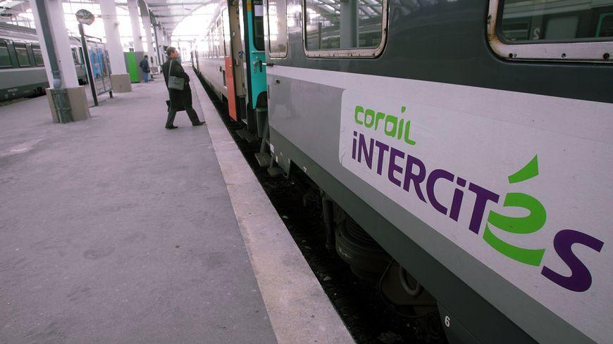 Un train Intercités