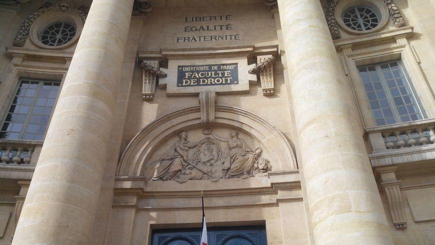 L'entrée de l'université Paris 2 Panthéon-Assas