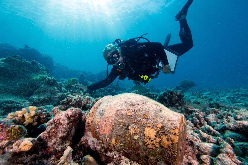 L'archéologue maritime Kelly Gleason, Hawaiian islands, 2011